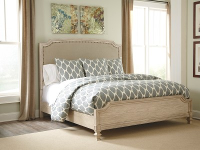 Debbie - Bed